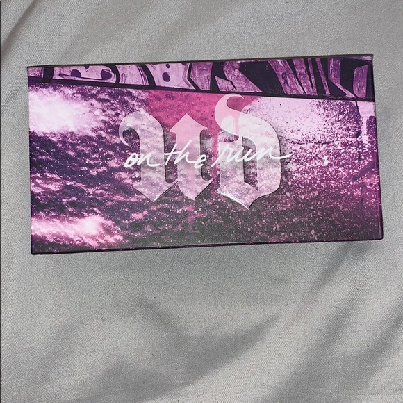 Urban Decay Other - Urban decay on the run palette shade bailout